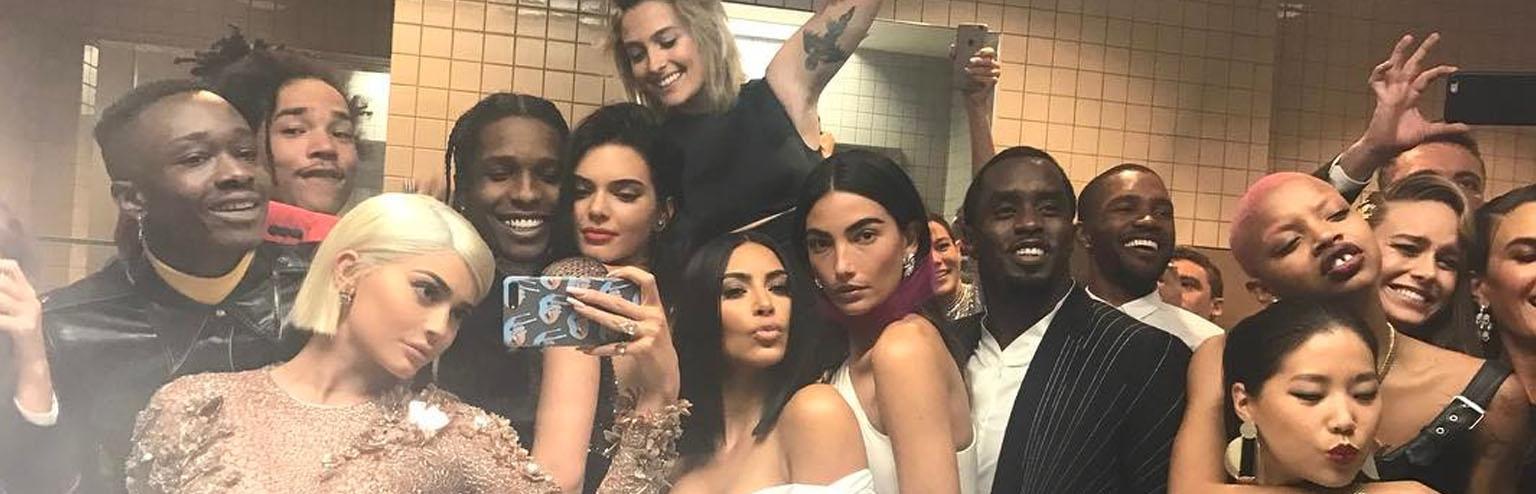 Kylie-Jenner-met-photo-fotografia-gala marketing instagram social media last news