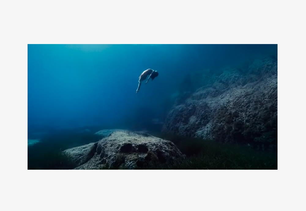 anuncio spot estrella damm bajo el mar